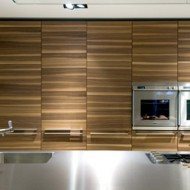New-kitchen-systems-with-new-cabinet-fronts-on-plank-wood-effect