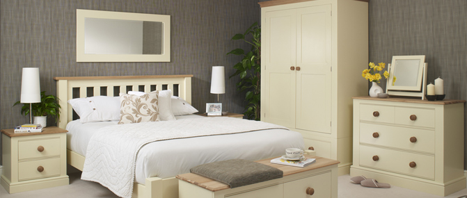 collections_pinetum_m2_Bedroom_671x285lifestyle1