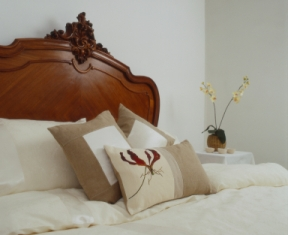 french_country_interior_design_bed